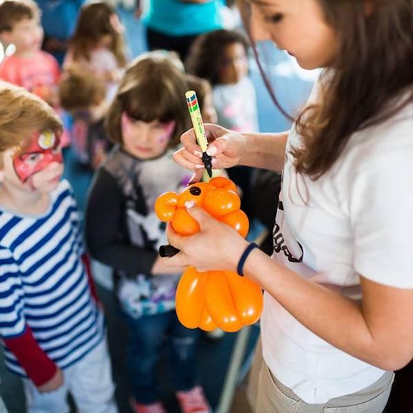 Ballonkunstler Kinderfeier Unterhaltung Genf Bazinga Parties